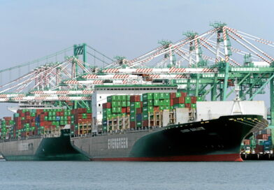 A month away from the truce ending between the dockworkers' union CUPE 375 and the Maritime Employers Association